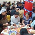 Ban Bác Ái Xã Hội Tổng Giáo Phận Huế Tặng Quà Cho Người Nghèo Dịp Lễ Giáng Sinh