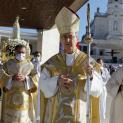 Cuộc hành hương quốc tế 13.10.2021 mừng kính 104 năm Đức Mẹ Fatima hiện ra lần cuối với « Phép Lạ Mặt Trời Quay »