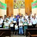 Ban Liên Kết Caritas giáo hạt Tân Định phát học bổng