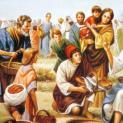 17/4 Người phân phát cho các kẻ ngồi ăn, ai muốn bao nhiêu tuỳ thích