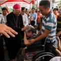 Đức Giám Mục giáo phận Xuân Lộc thăm các gia đình di dân tại Hố Nai Biên Hòa