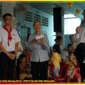 Thiếu nhi giáo xứ Hà Nội Gò Vấp thăm các em mồ côi khuyết tật