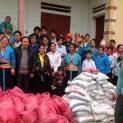 Caritas giáo phận thăm người nghèo dân tộc thiểu số vùng cao