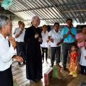 Chuyến mục vụ thăm các bệnh nhân, những gia đình sống trên làng bè hồ Trị An của Đức Giám Mục Giáo Phận