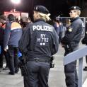 Chiều cuối năm, cảnh sát Đức di tản hành khách khỏi hai nhà ga tại Munich vì sợ khủng bố