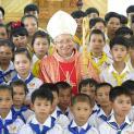 Gp. Vinh: 100 em Giáo xứ Tân Diên lãnh nhận Hồng Ân Thánh Linh trong Tuần Chầu