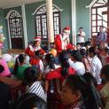 Nhóm Bông Hồng Xanh thăm và phát quà tại vùng Sóc Trăng