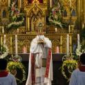 Giáo xứ Sở Kiện chầu Thánh Thể thay mặt giáo phận