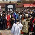 Đức tổng giám mục và các linh mục Minneapolis tham gia cầu nguyện cho ông George Floyd